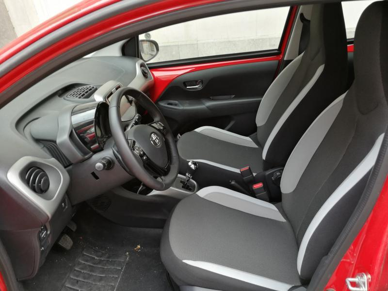 toyota aygo x play 1 0 vvt i multi mode 1927 km. Black Bedroom Furniture Sets. Home Design Ideas